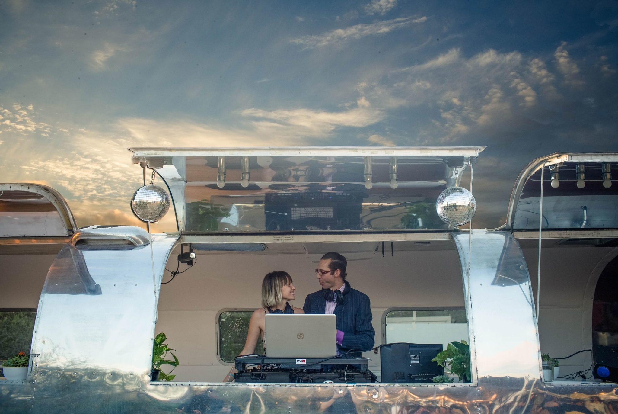 Soundcream airstream Couple